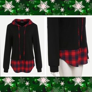 Tops - Red plaid hooded sweatshirt w/shirt tail hem