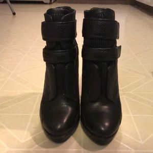 BCBGMaxAzria genuine leather boots! 💋👑
