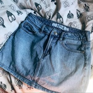 Brandy Melville denim skirt ⭐️🌸