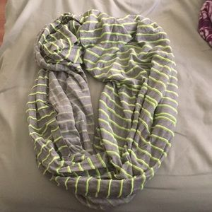 Accessories - Neon green & grey circle scarf