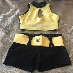 2 pc black and yellow hardcore workout outfit