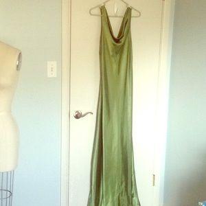 Simple Green, Long Dress