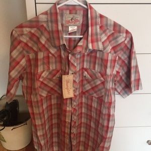 NWT Wrangler snap button shirt