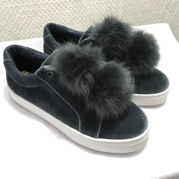 1058b5b493d6 NIB Sam Edelman Leya Smoke Velvet Pom Pom Sneaker