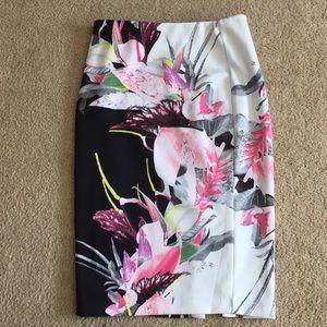 7th Avenue Design Studio pencil skirt size M