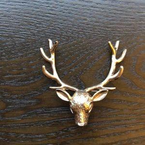 Jewelry - Reindeer pin