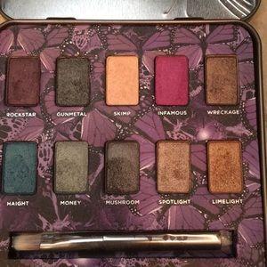 Urban decay eyeshadow palette makeup