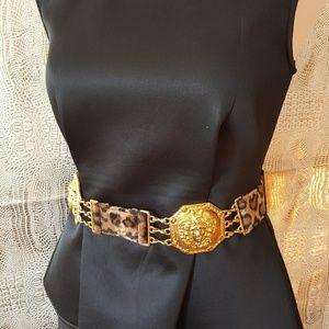 Vintage belt looks like Versace vintage leopard