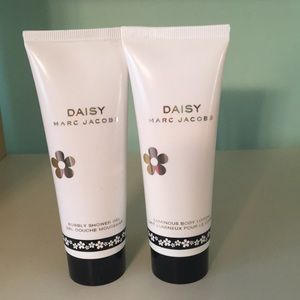 Marc Jacobs Daisy shower gel and lotion