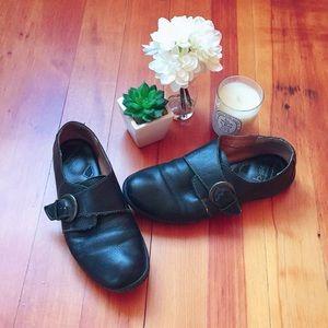 Born Buckle Flat Shoes Size 9