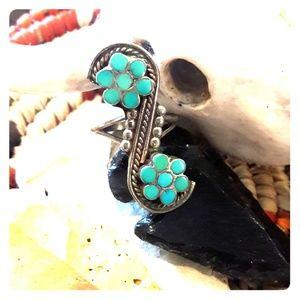 Beautiful Vintage Zuni Turquoise Dishta Ring