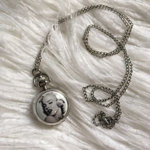 Jewelry - Marylin Monroe clock locket