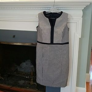 Women's Dress with contracting detail