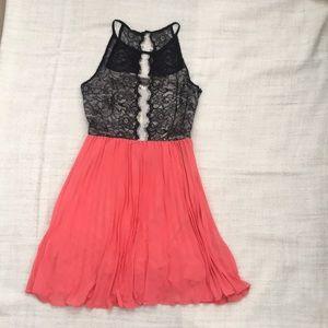 ModCloth pleated lace sleeveless dress