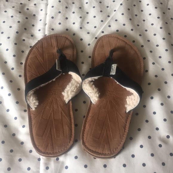f050472fad03 Ugg tasmina suede sheepskin sandal flip flops blk.  M 5a2d96015a49d0ff3c071c3d