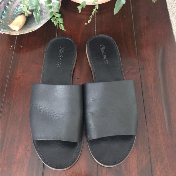 22b27ef01 Madewell Shoes - Madewell Black Boardwalk Simple Slide Sandal!