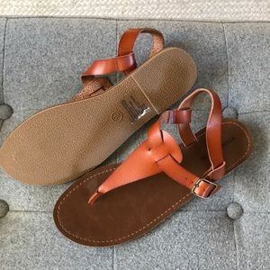 NEVER WORN - MOSSIMO SIZE 9 SANDALS - BROWN