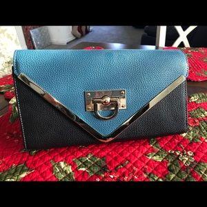 Handbags - Crossbody/Clutch Bag