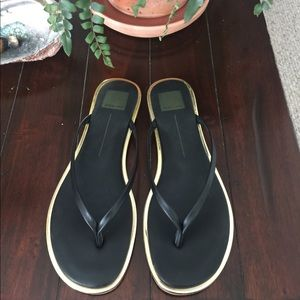 Dolce Vita Black Leather Dawn Thong Sandal!