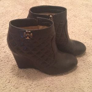 Tory Burch quilted leather booties 7.5