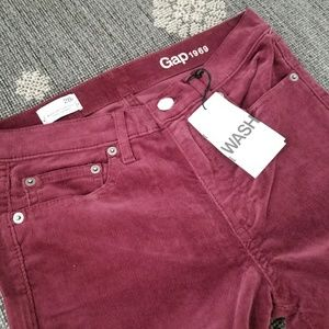 Gap burgundy corduroy pants for women