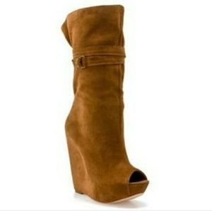 Report Signature Pearsall Wedge Boot Chestnut