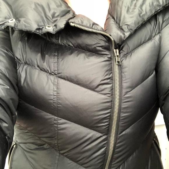 Patagonia Black Down Jacket Prow Off-Center Zip. M 5a2d9dbffbf6f9171f000e8e b10753217