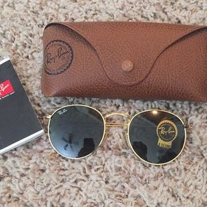 Round Ray-Ban RB3447