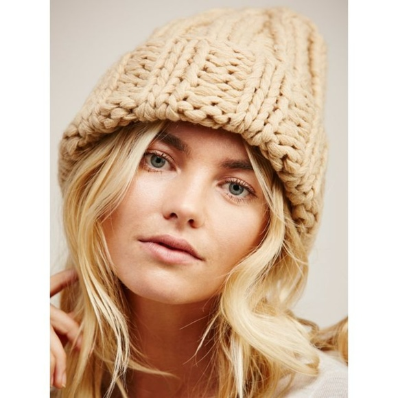 01f3253deb094 NWOT Free People tan basic knit chunky beanie hat