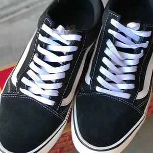 5fb9782fac Vans Shoes - Men s Old Skool Vans Ultra Cush Size 11