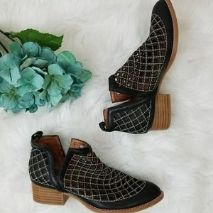 NEW Anthropologie Jeffrey Campbell Taggart Booties