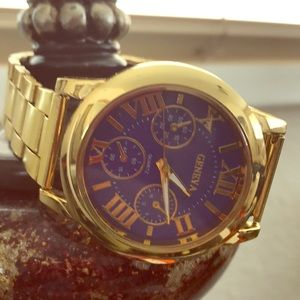 Geneva Watch gold color/ fashion wear