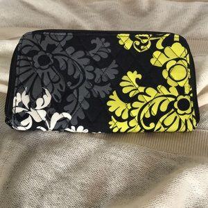 Vera Bradley Baroque zippered wallet
