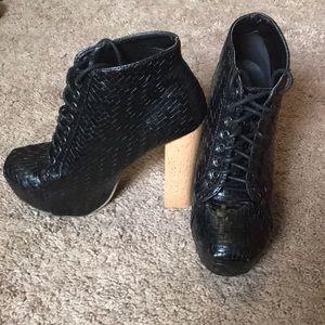 Black platform lace up bootie size 8