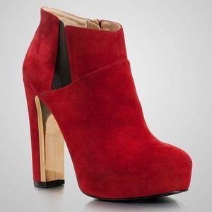 GUESS CORELINE BOOTIES SIZE 6.0 DARK RED