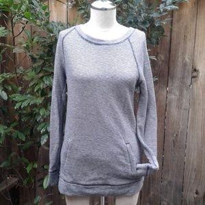 NWOT. LOU & GREY sweatshirt sweater