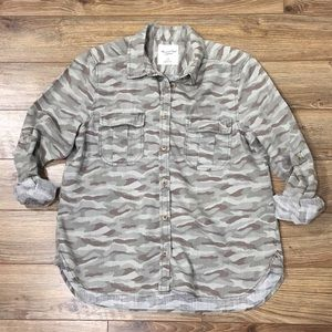 American Eagle Camo Button Down