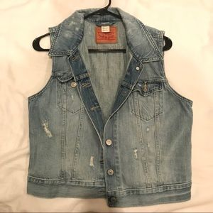 Urban Outfitters Levi's Snake Painted Denim Vest
