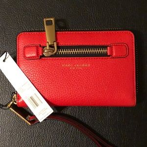 Marc Jacobs • Bright red wristlet