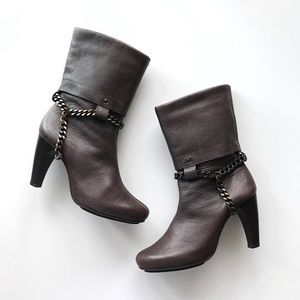 Aerosoles Brown Pebbled Leather Chain Ankle Boots