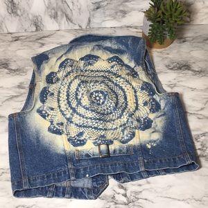 Vintage Levi's lace bleached vest Xl