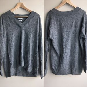 100% cashmere Vince sweater long sleeve v neck