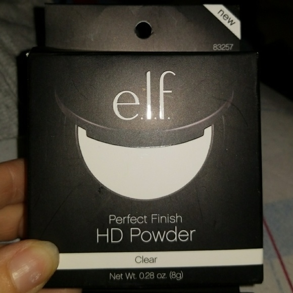 E L F PERFECT HD POWDER IN CLEAR NOT USED NEW