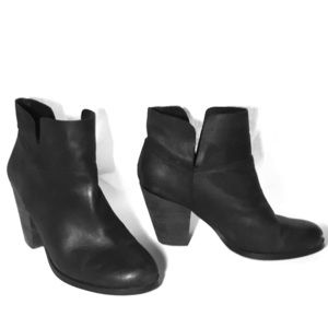 Size 7.5 Vince Camuto Heeled boots
