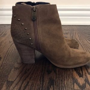 Brown leather booties with fringe