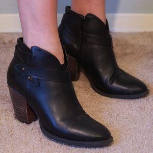womens black heeled booties