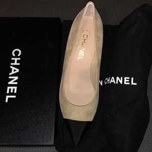 Authentic New Chanel pumps w/ box and shoe bags!