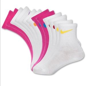 🧦Nike Quarter Socks (6PK)
