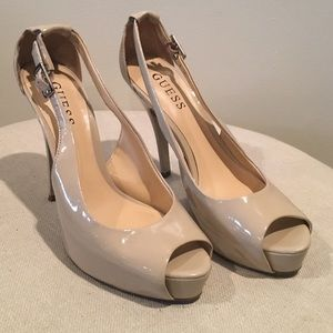 Guess peep toe heels in cream