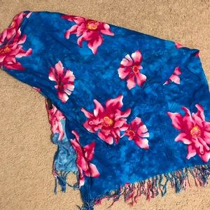 Other - Floral beach wrap
